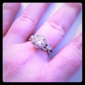 Jewelry - Gorgeous CZ ring Size 7